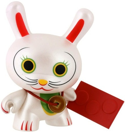 Fortune_cat_-_eyes_open-mr_shane_jessup-dunny-kidrobot-trampt-287m