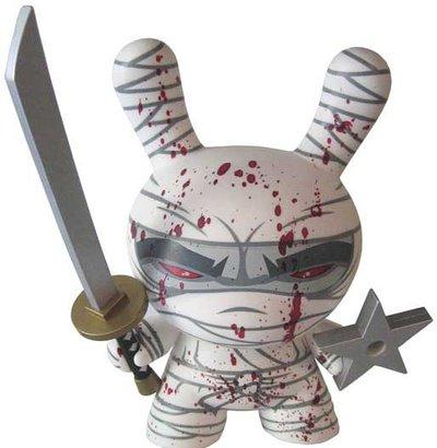Ninja_-_white-mad-dunny-kidrobot-trampt-338m