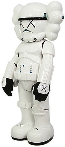 Storm_trooper_x_kaws-kaws-storm_trooper-original_fake-trampt-362m