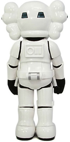 Storm_trooper_x_kaws-kaws-storm_trooper-original_fake-trampt-363m