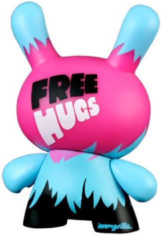 Free_hugs_-_kronikle_edition-jeremyville-dunny-kidrobot-trampt-450m