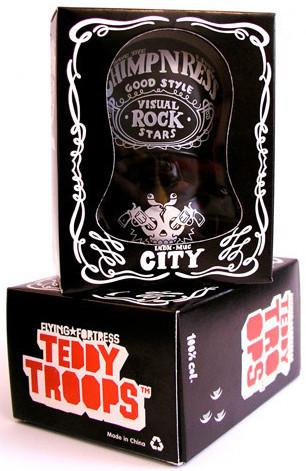 Visual_rock_star_-_barcelona-flying_frtress_dave_the_chimp-teddy_troop-adfunture-trampt-491m