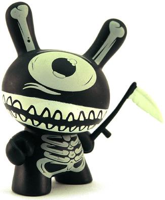 Mimic_-_black-mimic-dunny-kidrobot-trampt-518m