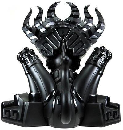 Ozomahtli_-_obsidian-jesse_hernandez-ozomahtli-bic_plastics-trampt-624m