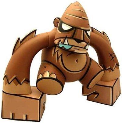 Smash_-_brown-joe_ledbetter_-smash-toy2r-trampt-651m