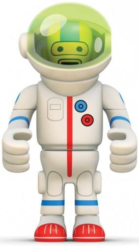 Astronof-eboy-peecol-kidrobot-trampt-778m