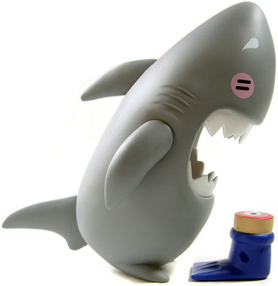 Sharky_-_original-keith_poon-sharky-toyqube-trampt-861m