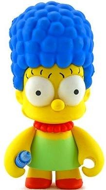 Marge_simpson-matt_groening-simpsons-kidrobot-trampt-1030m