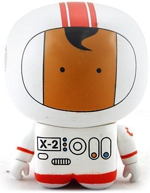 Cosmo-knott_-_white-unkl-unipo-unklbrand-trampt-1446m