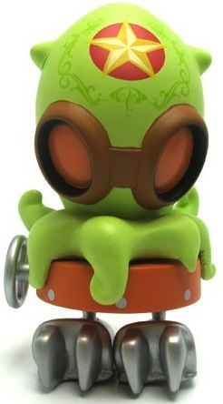 Junior-brandt_peters-serve-o-matics-kidrobot-trampt-2063m