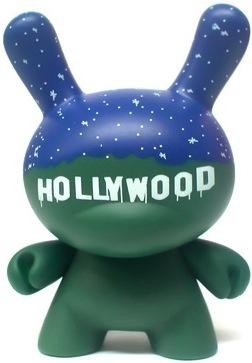Hollywood-chad_phillips-dunny-kidrobot-trampt-2295m