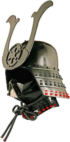 Kurai_no_kurai-huck_gee-darth_vader_helmet-trampt-4587m