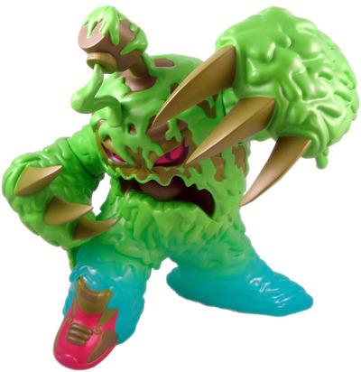 Muraida_-_radioactive_green-erick_scarecrow-muraida-esc-toy-trampt-8270m