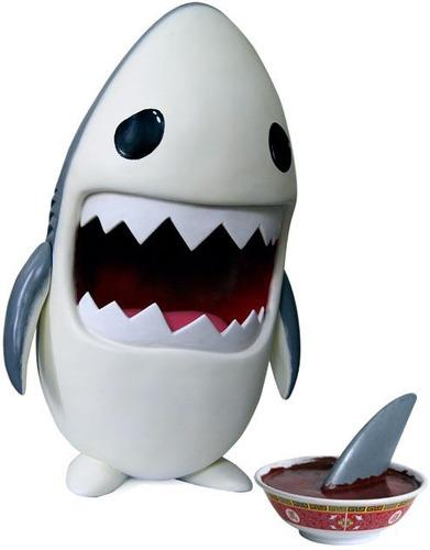 Sharky_fin_soup-luke_chueh-sharky-trampt-9466m