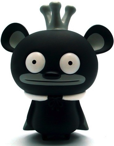 Bossy_bear_-_black-david_horvath-bossy_bear-toy2r-trampt-10169m