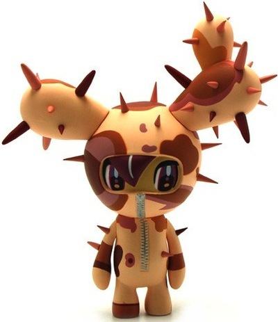 Sabochan_-_brown-tokidoki_simone_legno-sabochan-strangeco-trampt-10888m