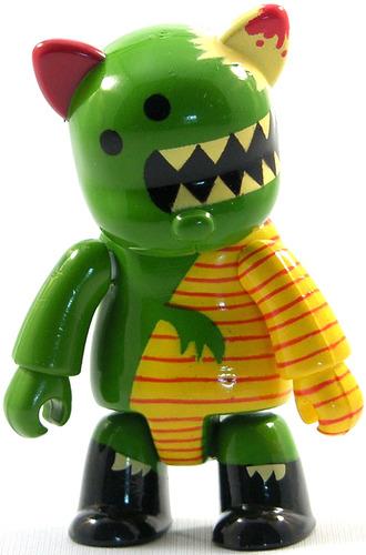 Untitled_-_green-peskimo-bear_qee-toy2r-trampt-11612m