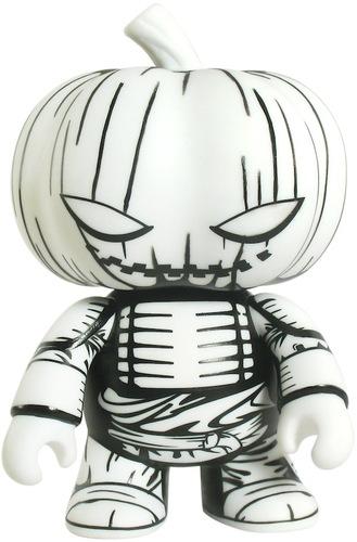 Samurai_pumpkin_qee-jon-paul_kaiser-pumpkin_qee-toy2r-trampt-12180m