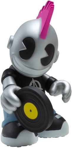 Kidpunk-kidrobot-bots-kidrobot-trampt-14922m