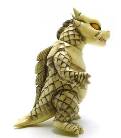 King_bop_dragon_-_bone_glow-rumble_monsters-king_bop_dragon-rumble_monsters-trampt-15085m