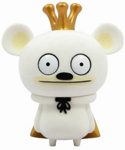 Bossy_bear_-_flocked_white-david_horvath-bossy_bear-toy2r-trampt-15477m