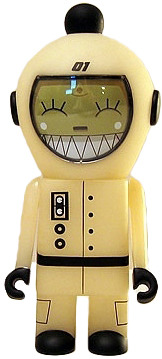 Spacebot_01-dalek-spacebot-kidrobot-trampt-16267m