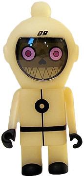 Spacebot_09-dalek-spacebot-kidrobot-trampt-16269m