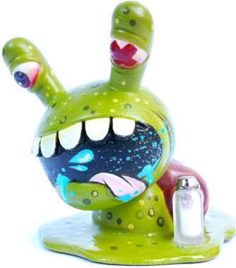 Salt_shaker_snail-betso-dunny-kidrobot-trampt-17272m
