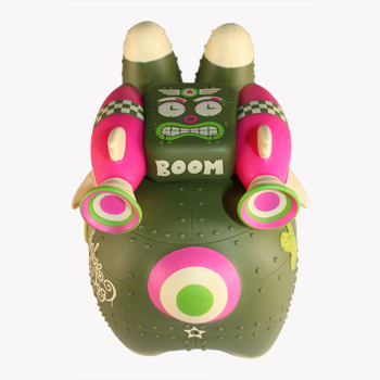 Yankee_pig_dog_-_biological_warfare_edition-kronk-labbit-kidrobot-trampt-19370m