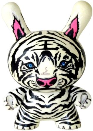 Dunny_tiger_cub-nikejerk_jared_cain-dunny-trampt-19666m