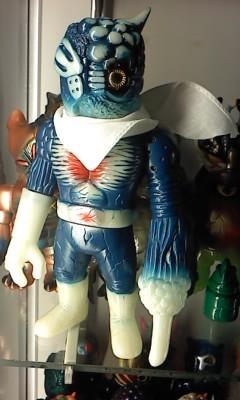 Chaosman_beta-carotine_form_-_blue_glow-onell_design_matt_doughty_realxhead_mori_katsura-chaosman_be-trampt-21292m