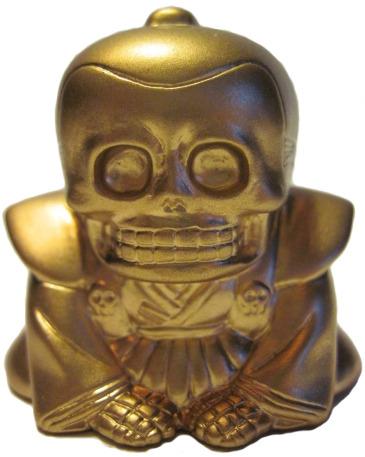 Honesuke_-_gold-realxhead_mori_katsura_skulltoys-honesuke-realxhead-trampt-25643m