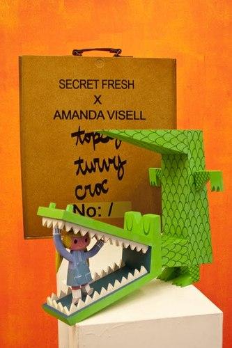 Topsy_turvy_croc-amanda_visell-topsy_turvy_croc-secret_fresh-trampt-25854m