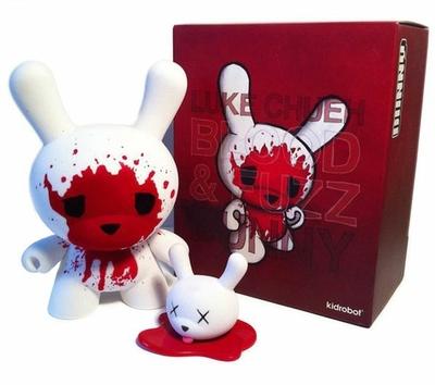 Blood_and_fuzz_8-luke_chueh-dunny-kidrobot-trampt-26321m
