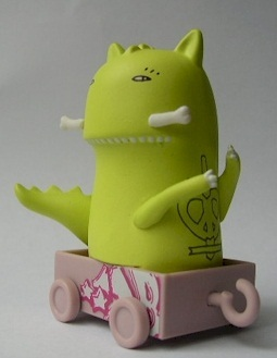 Dragon-kid_acne-rollin_stock-kidrobot-trampt-27360m