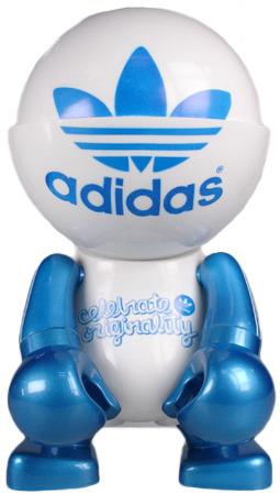 Adidas_60th_anniversary_trexi-play_imaginative-trexi_-_round-play_imaginative-trampt-29278m