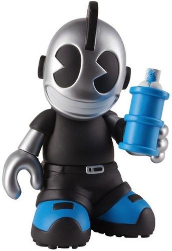 Kidroyale-kidrobot-kidrobot_mascot-kidrobot-trampt-35341m