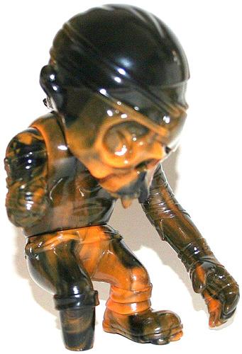 52_mayhemic_marbled_weeks_skullpirate_-_black_brown-pushead-skullpirate-secret_base-trampt-38665m
