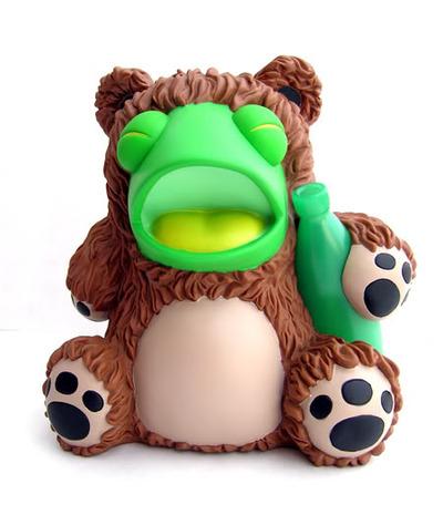 Drunk_frog_in_a_bear_suit-tnes-drunk_frog_in_a_bear_suit-kidrobot-trampt-38791m