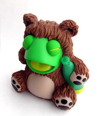 Drunk_frog_in_a_bear_suit-tnes-drunk_frog_in_a_bear_suit-kidrobot-trampt-38792m