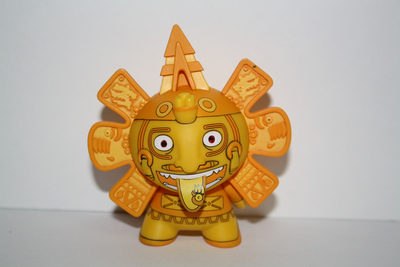 Calendario_azteca_-_golden_chase-the_beast_brothers-dunny-kidrobot-trampt-39492m
