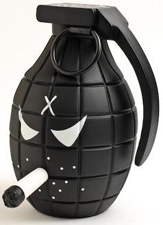 Sarge_-_black_5-frank_kozik-monger-kidrobot-trampt-42160m