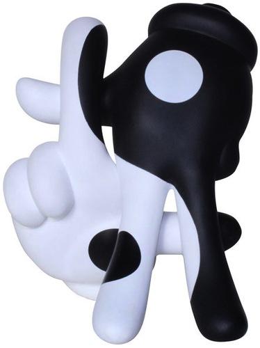 Yin_yyang_la_hands-dissizit-la_hands-dissizit-trampt-42671m