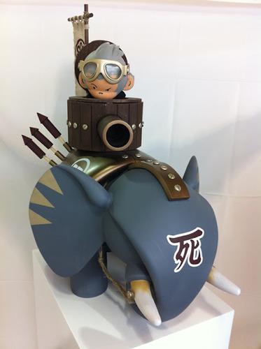 Turret_elephant_4-huck_gee-mixed_media-trampt-48157m