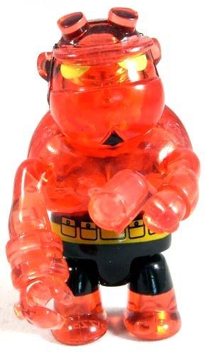 Hellboy_qee_sdcc_08-mike_mignola-hellboy_qee-toy2r-trampt-48328m