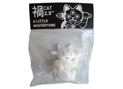 White_mini_misfortune_cat-ferg-misfortune_cat-playge-trampt-50366m