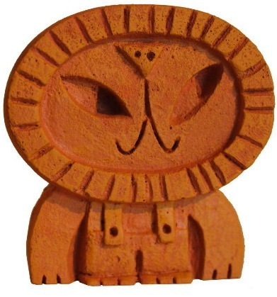 Lion_-_orange-amanda_visell-resin-trampt-51403m
