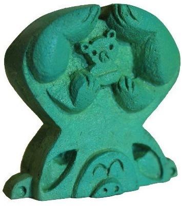 Bears_-_green-amanda_visell-resin-trampt-51406m