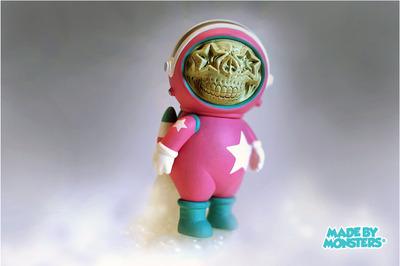 Dum_english_astronaut_skull_star_-_pink-ron_english_chris_brown-dum_english-made_by_monsters-trampt-52280m