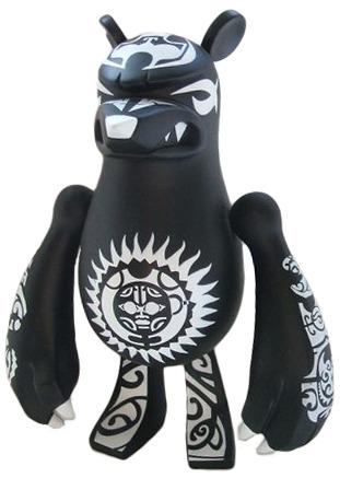 Maori_warrior-touma-knucklebear-toy2r-trampt-53153m